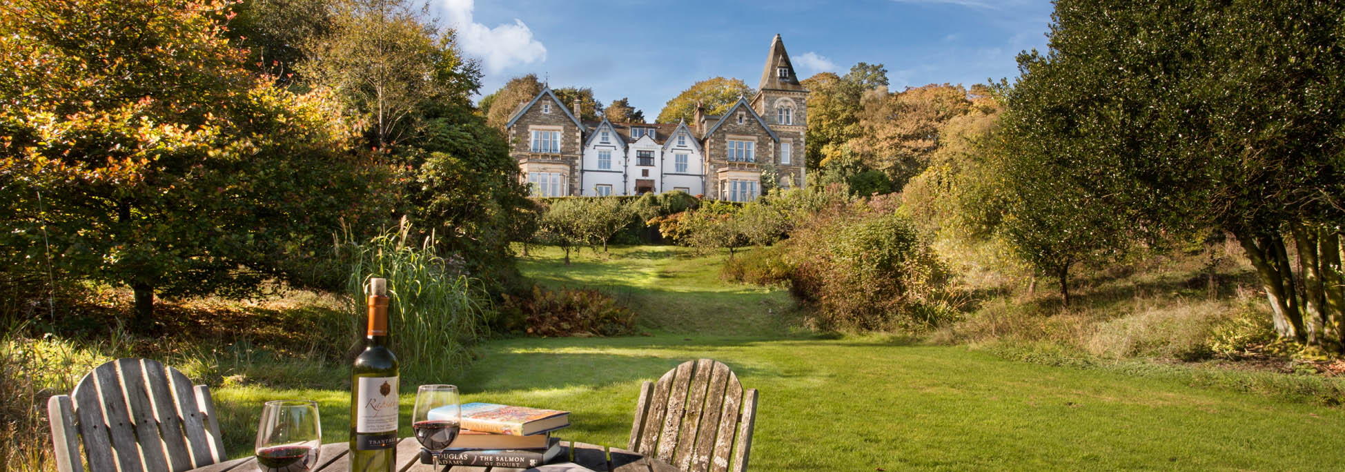 Yewfield is set in over 80 acres of grounds with lovely walks onto Tarn Hows
